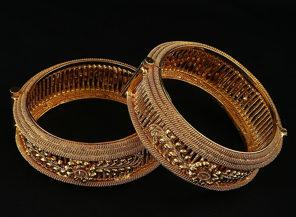 Important Tips To Find The Perfect Bangle Jewelry